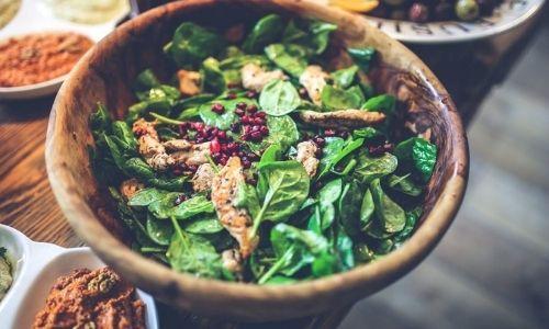 Salad: pomegranate, chicken, spinach